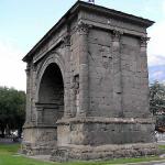 Arco d'Augusto, Aosta, Valle d'Aosta. Autore e Copyright Marco Ramerini.