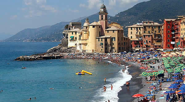 Camogli, Liguria. Autore Markus Bernet. Licensed under the Creative Commons Attribution