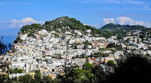 Capri, Campania. Autore Doga Ozyurekli. Licensed under the Creative Commons Attribution-Share Alike