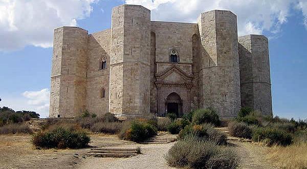 Castel del Monte, Andria, Puglia. Autore Niccolò Rigacci. Licensed under the Creative Commons Attribution