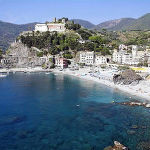 Monterosso, Cinque Terre, Liguria. Autore Lee & Chantelle McArthur. Licensed under the Creative Commons Attribution