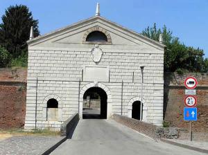 Porta Imperiale, Sabbioneta, Mantova, Lombardia. Autore e Copyright Marco Ramerini