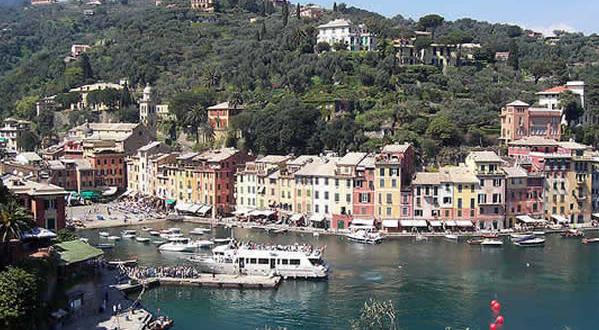 Portofino, Liguria. Autore aloa. Licensed under the Creative Commons Attribution