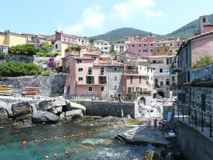 Tellaro, Liguria. Autore Davide Papalini. Licensed under the Creative Commons Attribution Share Alike