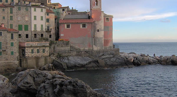 Tellaro, Liguria. Autore William Domenichini. Licensed under the Creative Commons Attribution Share Alike