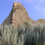 Resti della mura del Castello di Marmilla, Las Plassas, Sardegna. Autore e Copyright Marco Ramerini.
