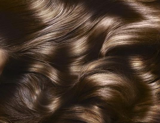 Perché i capelli principali abbandonano e che trattare