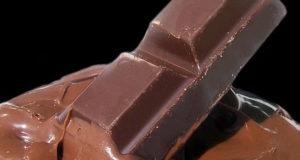Cioccolato Fondente. Autore Fir0002. Licenza Creative Commons Attribuzione-Condividi allo stesso modo
