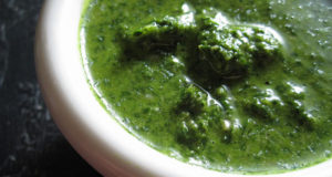 Salsa verde. Autore TheDeliciousLife. Licensed under the Creative Commons Attribution
