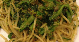 Spaghetti ai broccoli. Autore Naotake Murayama. Licensed under the Creative Commons Attribution