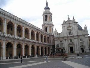Basilique de la Sainte Maison, Lorette (Loreto), Marches. Auteur Massimo Macconi. No Copyright.