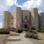Castel del Monte, Andria, Pouilles. Auteur Niccolò Rigacci. Licensed under the Creative Commons Attribution