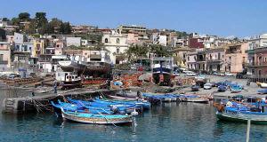 Le port d'Aci Trezza, Sicile. Auteur et Copyright Marco Ramerini