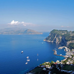 Panorama da Villa San Michele, Anacapri, Capri, Campania. Autore Elenagm. Licensed under the Creative Commons Attribution-Share Alike