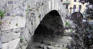 Pont romain, Aoste, Val d'Aoste. Auteur et Copyright Marco Ramerini.
