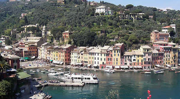 Portofino, Liguria. Autore aloa. Licensed under the Creative Commons Attribution