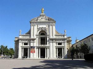 Santa Maria degli Angeli, Assise, Úmbria. Autor et Copyright Marco Ramerini