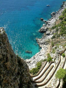 Via Krupp, Capri, Campanie. Auteur Radomil. Licensed under the Creative Commons Attribution-Share Alike
