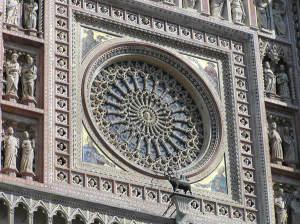 La rosace centrale, Cathédrale d'Orvieto, Ombrie. Auteur et Copyright Marco Ramerini