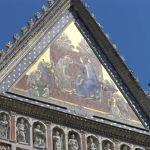Il timpano centrale dov'è rappresentata la scena dell'Incoronazione, Duomo di Orvieto. Autore e Copyright Marco Ramerini