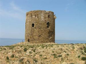 A torre espanhola, Cala Domestica, Sardenha. Autor e Copyright Marco Ramerini