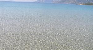 L'acqua di Capo Coda Cavallo, San Teodoro, Sardegna. Autore e Copyright Marco Ramerini