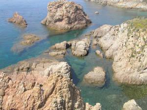 As falésias de Capo Pecora, Sardenha. Autor e Copyright Marco Ramerini