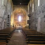 L'interno della Basilica della Santissima Trinità di Saccargia, Codrongianus, Sardegna. Autore e Copyright Marco Ramerini