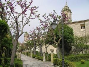Giardino Ibleo e la chiesa di San Giacomo, Ragusa, Sicilia. Autore e Copyright Marco Ramerini