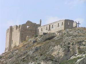 I ruderi della chiesa di S. Maria della Luce o Monte Calvario, Palma di Montechiaro, Agrigento. Autore e Copyright Marco Ramerini