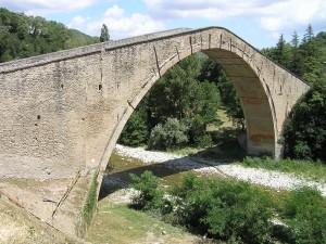 Il Ponte Alidosi, Castel del Rio, Bologna. Autore e Copyright Marco Ramerini.