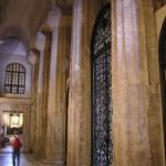 Le colonne del tempio dorico, Duomo di Siracusa, Sicilia. Autore e Copyright Marco Ramerini