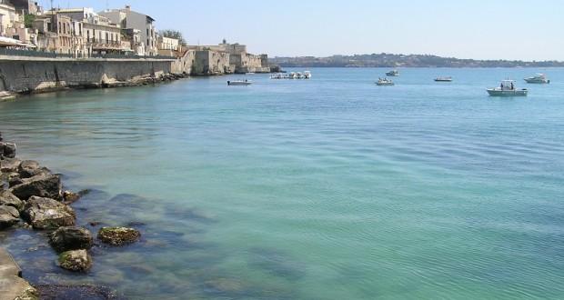 Lungomare, Ortigia, Siracusa, Sicilia. Autore e Copyright Marco Ramerini