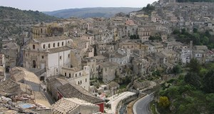 Panorama, Ragusa, Sicilia. Autore e Copyright Marco Ramerini