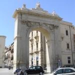 Porta Reale, Noto, Sicilia. Autore e Copyright Marco Ramerini