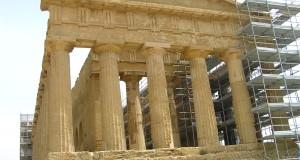 Tempio della Concordia, Valle dei Templi, Agrigento, Sicilia. Autore e Copyright Marco Ramerini