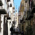 Un tipico vicolo, Cefalù, Sicilia, Italia. Autore e Copyright Marco Ramerini
