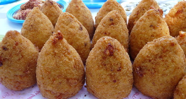 Arancini di Riso. Autore Ji-Elle. Licensed under the Creative Commons Attribution