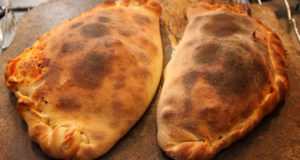 Calzone al Forno. Autore Jerry Pank (cookipediachef). Licensed under the Creative Commons Attribution