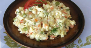 Insalata Russa. Autore Mariuszjbie. Licensed under the Creative Commons Attribution-Share Alike