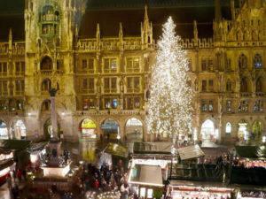 Mercatini di Natale di Monaco di Baviera, Germania. Autore Ramessos. No Copyright