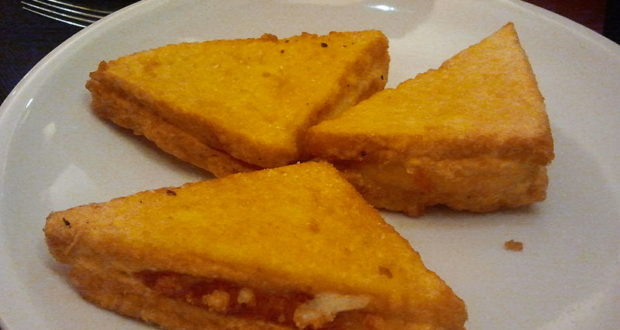 Mozzarella in carrozza. Autore Catia Giaccherini. Licensed under the Creative Commons Attribution