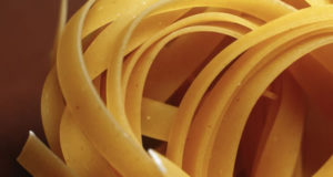 Tagliatelle o Fettuccine. Author Mathias Braux. No Copyright