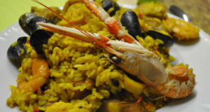 Paella. Autore Frédérique Voisin-Demery. Licensed under the Creative Commons Attribution