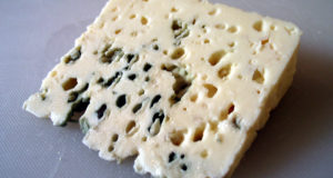 Roquefort. Autore Nataraja. Licensed under the Creative Commons Attribution