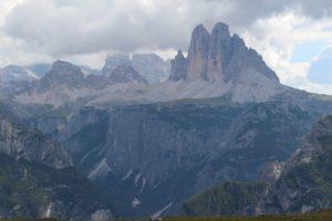Le Tre Cime di Lavaredo dal Monte Specie, Dolomiti, Italia. Autore e Copyright Marco Ramerini