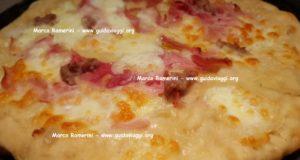 Schiacciata o Pizza bianca. Autore e Copyright Marco Ramerini