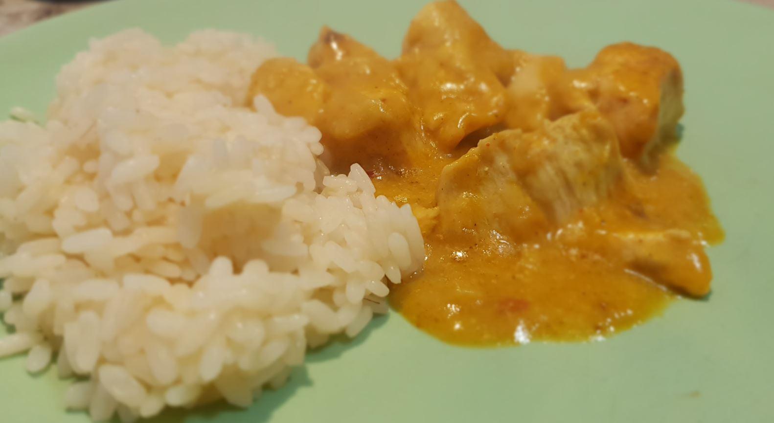 Pollo al Curry e riso. Autore e Copyright Marco Ramerini