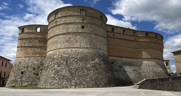 La Rocca di Sassocorvaro. Credit Marche Turismo, Le Marche di Urbino